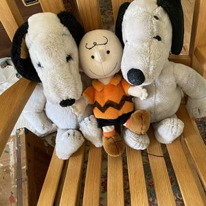 Vintage Snoopy and Charlie Brown Plush Dolls for Sale in Suffolk, VA