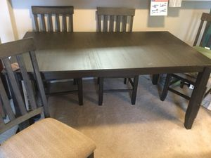 Kitchen table and 4 chairs for Sale in Sioux Falls, SD