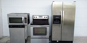 Stainless steel Set,. Whirlpool for Sale in Port Charlotte, FL