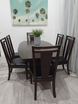 BROYHILL Formal Dining/Kitchen Room Table with 6 Chairs. Comedor for Sale in Peoria, AZ