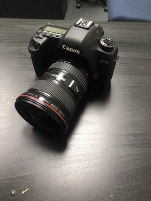 Canon 5D Mark ii (three lens available) price for Camera only for Sale in Arlington, TX