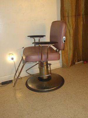 Silla de barbero for Sale in Lancaster, PA