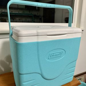 Cute Coleman Cooler! Handheld, Small Personal Sizw for Sale in Renton, WA
