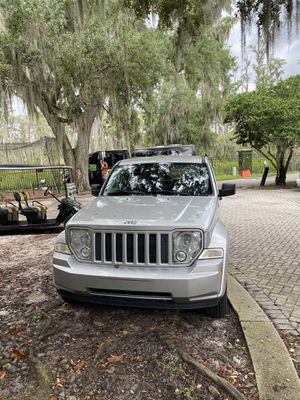 JEEP LIBERTY LOW MILEAGE GREAT FAMILY CAR for Sale in Windermere, FL