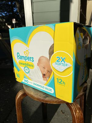 Pampers Swaddlers Newborn 140 daipers for Sale in Concord, CA