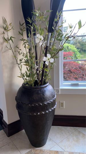 Indoor outdoor decorative flower pot set of 2 dark brown $ 125 each for Sale in Bloomfield Hills, MI