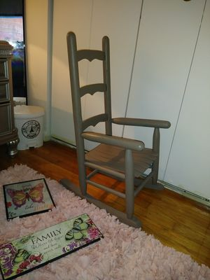 Children kids rocking chair amazing condition most see ull love it for Sale in VERNON ROCKVL, CT