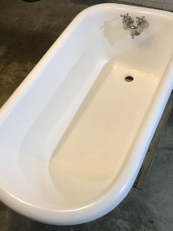 Claw Foot Tub Small for Sale in Pittsburgh,  PA