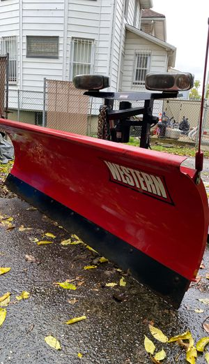 western snow plow! used once! for Sale in Staten Island, NY