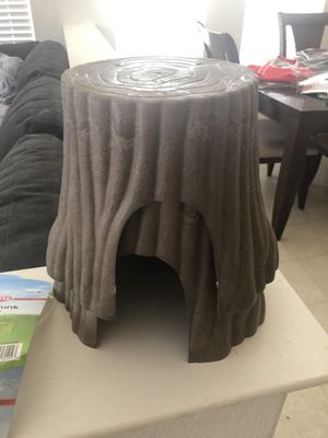 guinea pig hideout tree trunks (size is large) for Sale in Tracy, CA