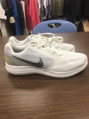 Nike Air Run All Day White Women's Size 8 for Sale in Los Angeles, CA
