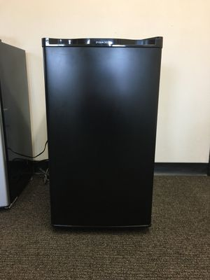 Ever Chill Mini Fridge for Sale in Garfield Heights, OH
