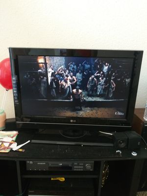 LG Tv 32 inches. Work perfect. No remote control. No escratches $50 cash for Sale in Houston, TX