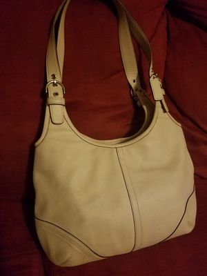 Coach bag-Ivory Hobo for Sale in Johnstown, OH