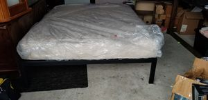 Queen size bed and frame for Sale in Houston, TX