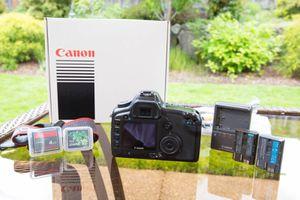 Canon 5D Classic Full Frame DSLR for Sale in Redmond, WA