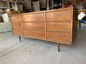 Dresser with Mirror for Sale in Encinitas, CA