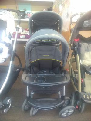Baby Trend sit and stand stroller for Sale in Tampa, FL