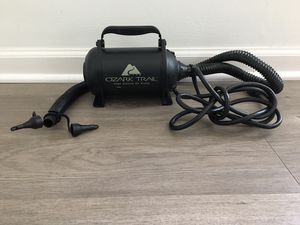 OZARK TRAIL - ELECTRIC AIR PUMP - HIGH VOLUME INFLATES AND DEFLATES pick up loc des plaines IL for Sale in Des Plaines, IL