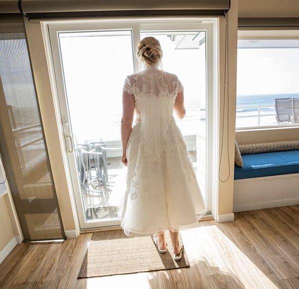 Oleg Cassini ivory lace wedding dress - size 12 **Local pickup only**