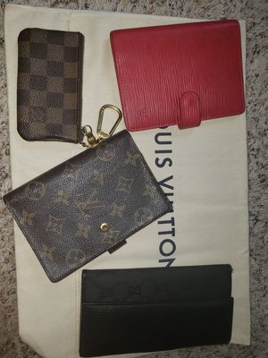 Authentic Louis Vuitton cover agenda key pochette cles Damier Gucci long wallet for Sale in Bloomingdale, IL