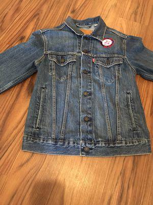 LEVI'S denim jean jacket (Blue) for Sale in Cleveland, OH