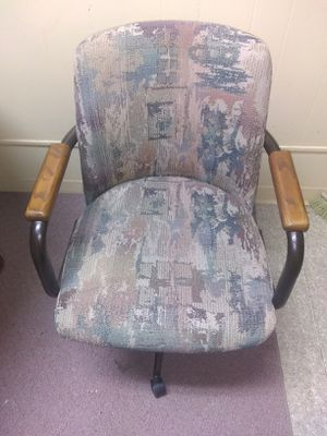 3 office chairs for Sale in Geneseo, KS