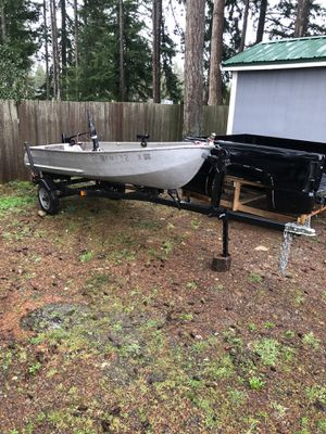 12 ft fishing boat for Sale in Tacoma, WA