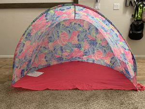 Lily Pulitzer beach tent for Sale in Phoenix, AZ