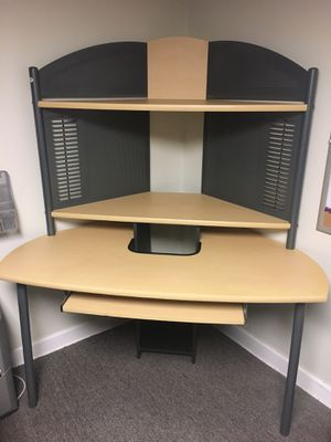Desk for Sale in Midlothian, IL