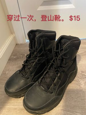 Mountain climb shoes, new for Sale in Honolulu, HI