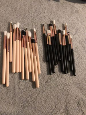 Makeup brushes 10$ for Sale in Houston, TX