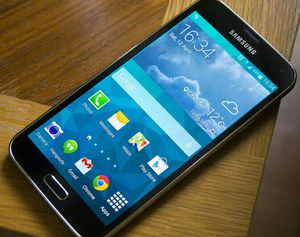 SAMSUNG Galaxy S5, Factory UNLOCKED//Excellent Condition// As like New//Price is Negotiable for Sale in Springfield, VA