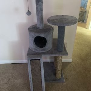 Lightly used cat Tree NEEDS TO GO for Sale in Chesapeake, VA