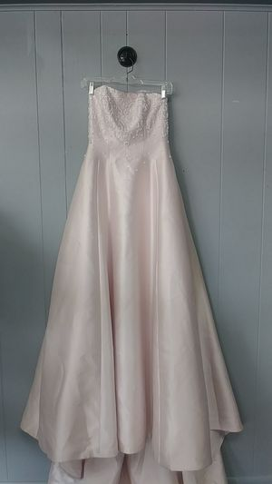 Prom or wedding dress with train. size6 for Sale in Glasgow, KY