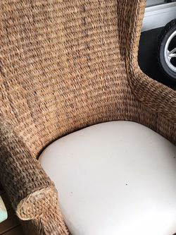 Wicker Pottery Barn High Back Chair With Cushion for Sale in Gig Harbor,  WA
