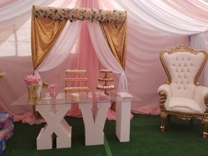 Canopy w/draping for Sale in Torrance, CA