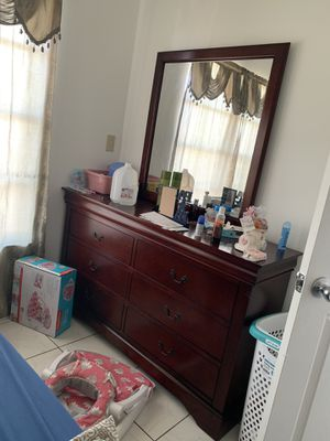 Full bed room set and nice sofa bedroom leather and TV stand for Sale in Miami Gardens, FL