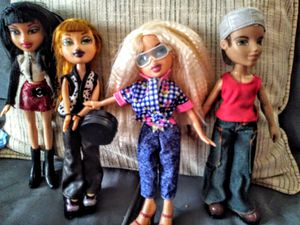 Bratz Dolls and outfits for Sale in Worcester, MA