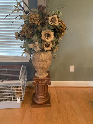 Flower pot and pedestal for Sale in Virginia Beach, VA