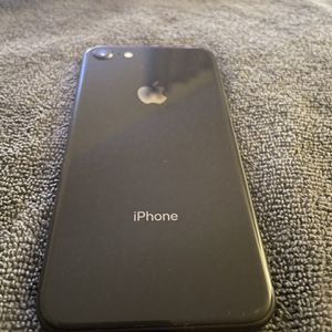 IPhone 8 for Sale in Fresno, CA