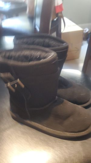 very warm boots for girls size 2 for Sale in Dania Beach, FL