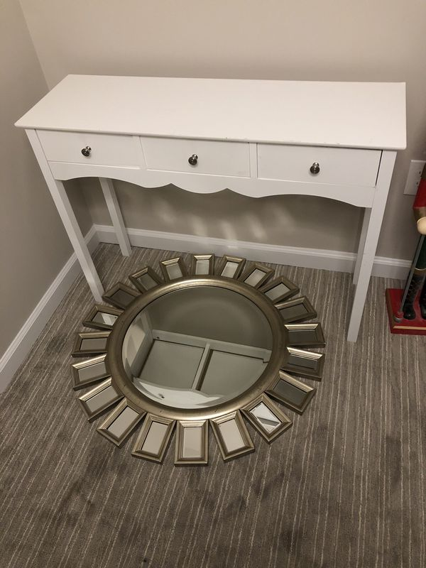 White pottery barn table