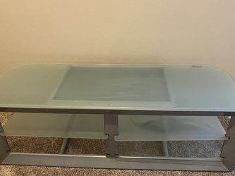 Tv Stand. Max Weight is 240 Lbs, Max 60 Inch for Sale in Eagle,  ID