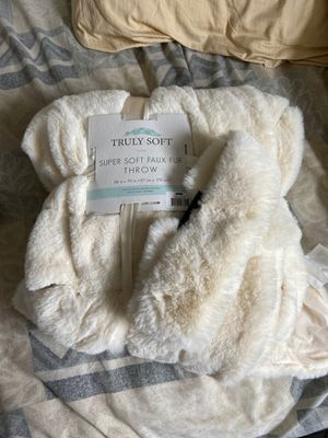 Truly Soft Faux Fur Blanket and matching headband for Sale in Portland, OR
