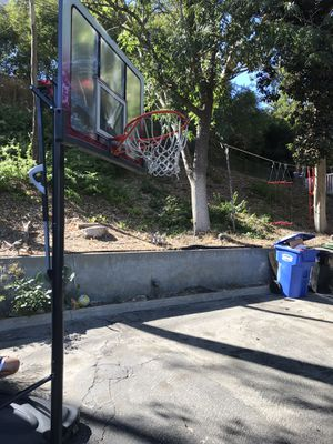 Used Lifetime Basketball Hoop for Sale in Whittier, CA