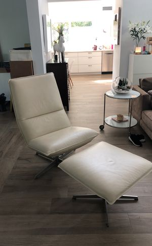Italian leather recliner with ottoman. for Sale in Miami, FL