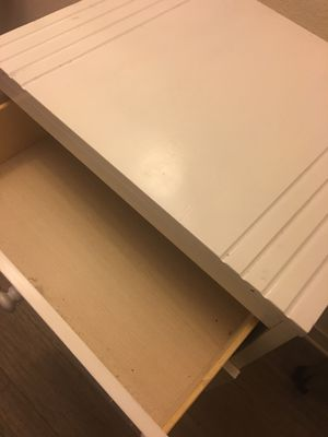 Single dresser in very good condition and clean for Sale in Pensacola, FL