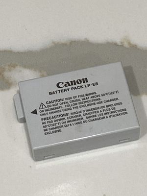 Canon LP-E8 battery for Sale in Los Angeles, CA