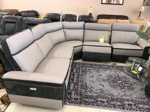 Leather sectional sofa for Sale in Tampa, FL